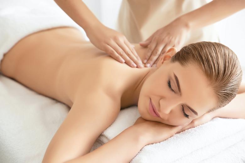 Massaggio alla Schiena Come Massaggiare Una Donna